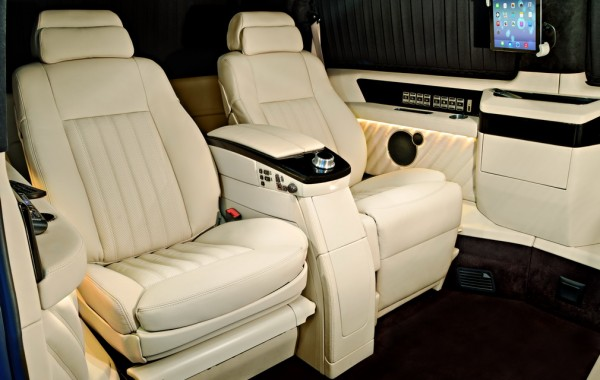 Mercedes Benz Viano Black & White