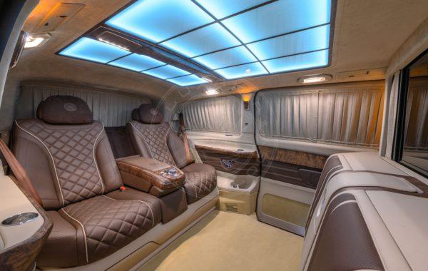 Mercedes Benz V class Mont Rose 78