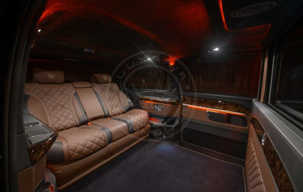 Mercedes Benz V class Mont Rose 112