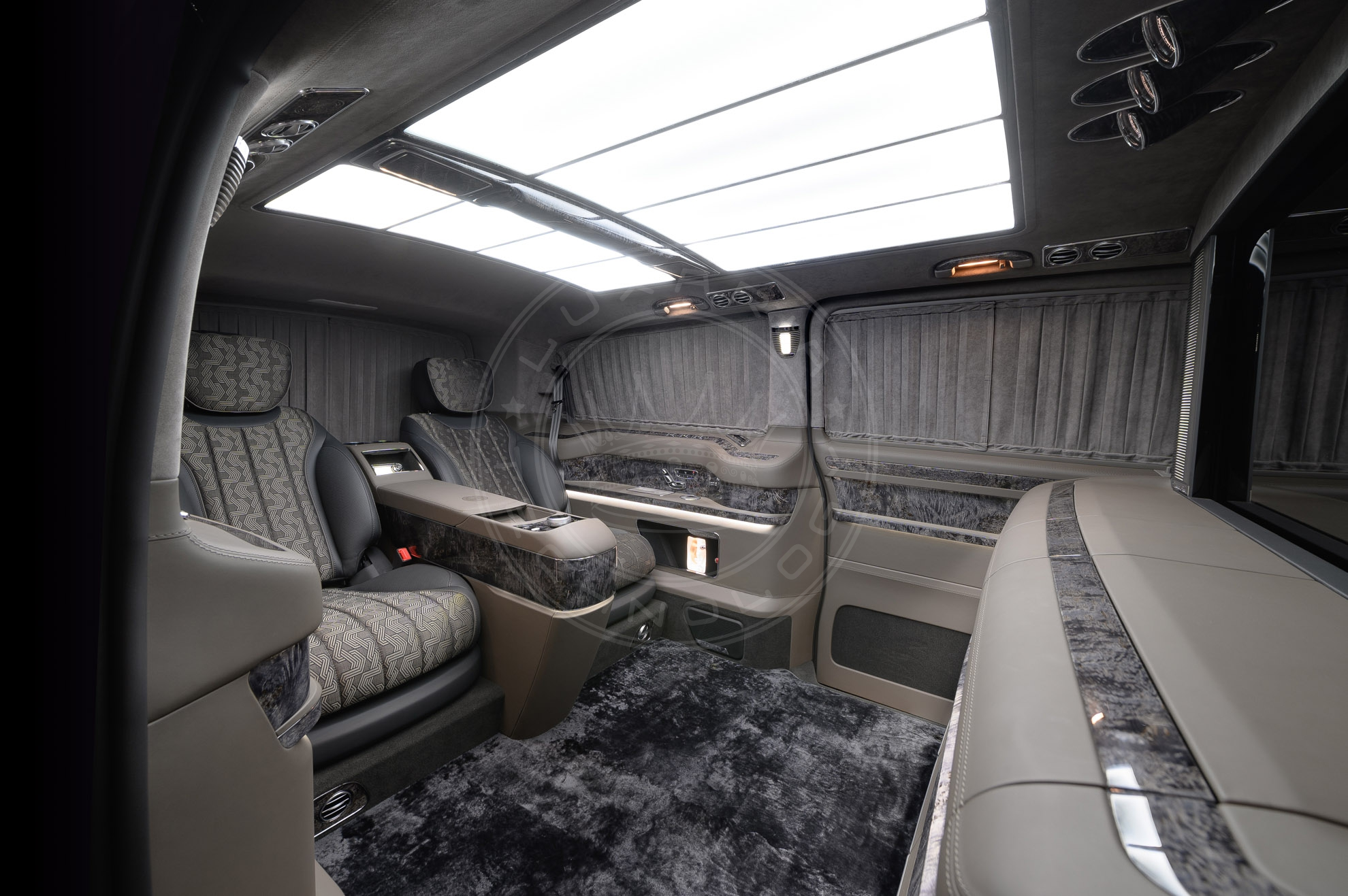 Mercedes Benz V class Everest 114
