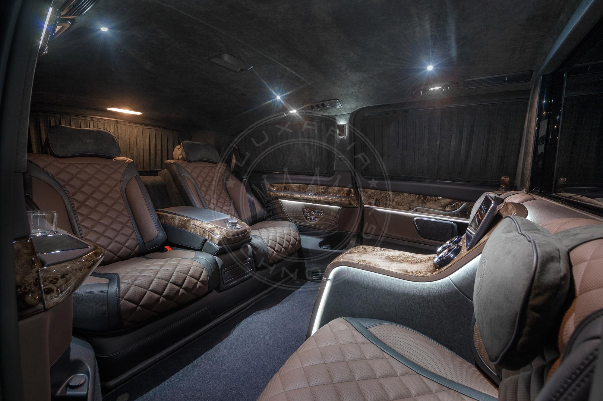 Mercedes Benz V class Dome du Gouter 107